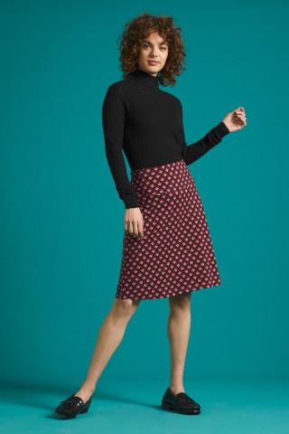 Border Skirt Pose